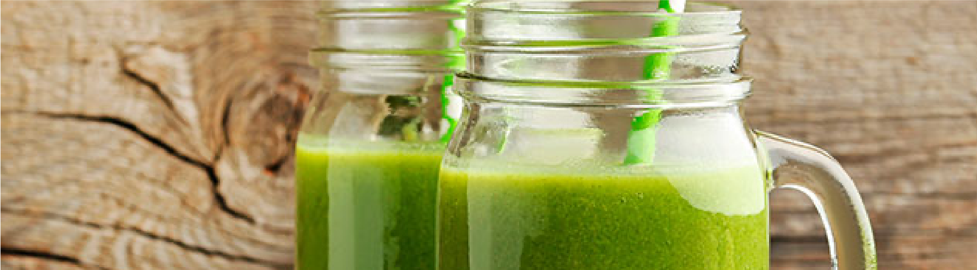 Agua de alfalfa pepino y miel para mejorar el funcionamiento digestivo
