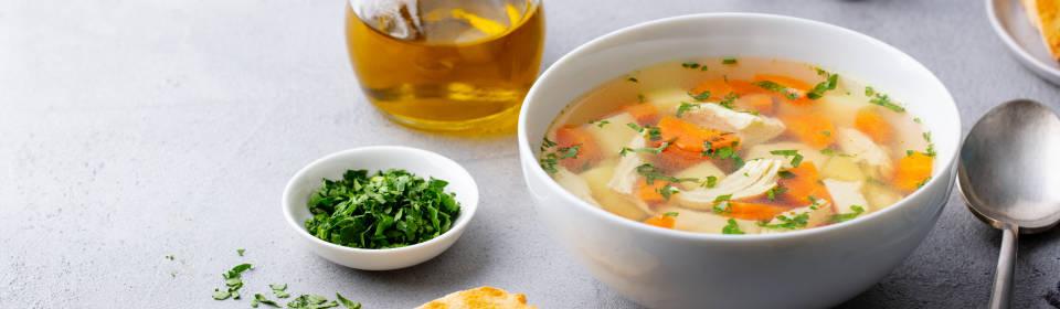 Sopa de pollo detox: limpia tu organismo