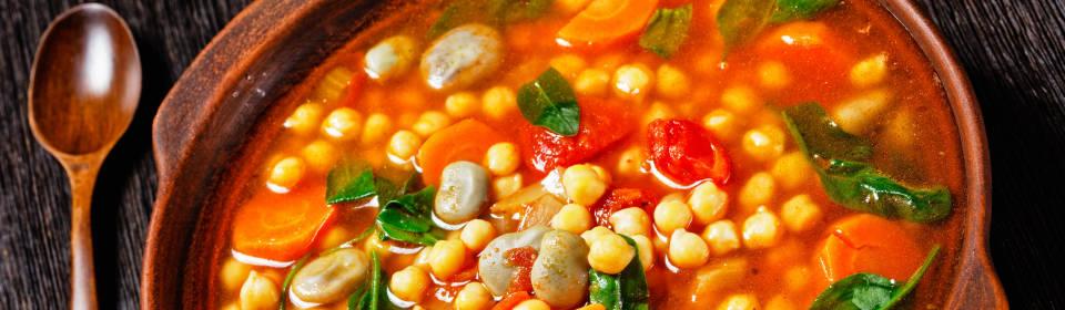 Sopa de garbanzos y espinacas