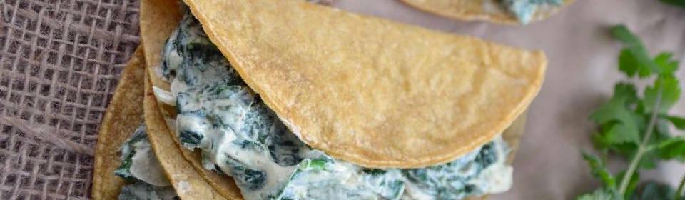 Tacos de requesón con poblano y espinaca